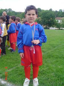 EMANUEL cu medalia de CAMPION local la fotbal copii