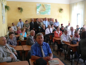 2009-22-08- ALEXANDRU POPOVICI ( Alioșa) in sala de clasă din 1966-1969 )