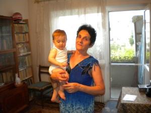4-Andrei cu BUNICA Jeni.