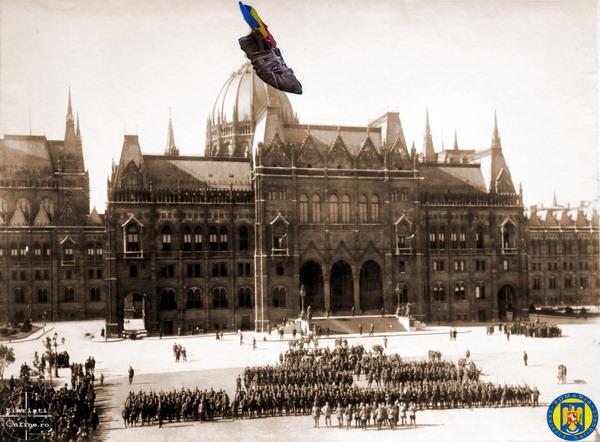 10-La-Parlamentul-Ungariei-1919-Armata-Romana-la-Budapesta-Foto-Roncea-Ro-Ziaristi-Online-Arhivele-Nationale