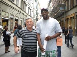 August 2001,La FIRENZE ( Florenta) ITALIA cu un baschetbolist AMERICAN de Top 10 !!!